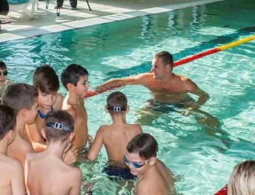 Küzdj meg a bajnokkal! – A csongrádi fürdő vendége volt Czene Attila